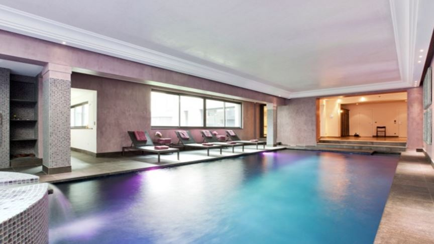 Immobilier de luxe paris for Appartement piscine paris